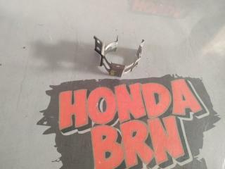 Запчасть крепление осушителя кондиционера Honda Torneo 2000