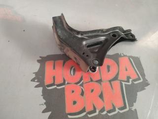 Запчасть кронштейн подушки двигателя задний Honda Torneo 2000