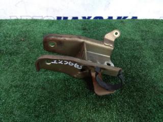 Запчасть кронштейн опоры двигателя передний VOLVO S40 2001-2004