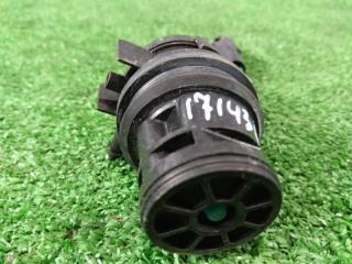 Запчасть мотор омывателя TOYOTA ISIS 2004-2017