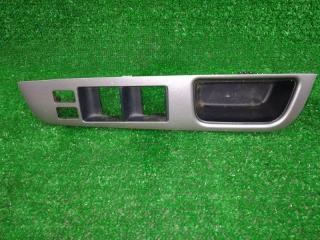 Запчасть накладка пластиковая в салон передняя правая NISSAN TIIDA 2004-2008