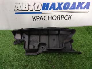 Запчасть клипса бампера задняя правая AUDI A6 2004-2008