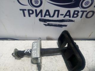 Запчасть ограничитель двери передний левый Nissan Qashqai 2006-2013