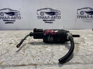 Запчасть моторчик омывателя стекла лобового Skoda Superb 2008-2015