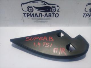 Запчасть уголок передний правый Skoda Superb 2008-2015