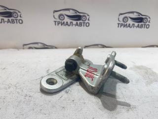 Запчасть петля двери задняя правая Mercedes C-Class 2007-2014