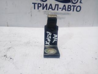 Запчасть петля двери передняя левая Skoda Superb 2008-2015