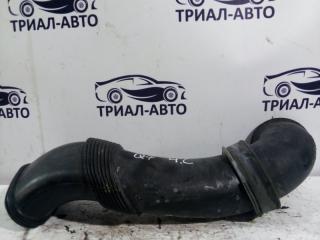 Запчасть патрубок воздушного фильтра Audi Q7 2005-2015