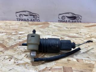 Запчасть моторчик омывателя стекла лобового Audi Q7 2005-2015