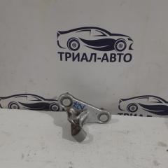 Запчасть петля двери передняя левая Mercedes C-Class