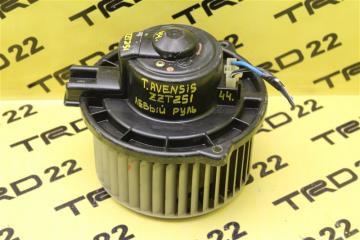 Запчасть мотор печки Toyota Avensis