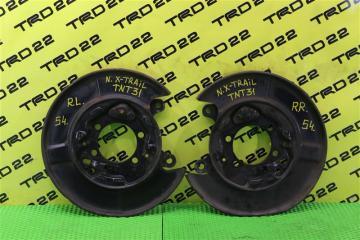 Запчасть щиток тормозного диска задний Nissan X-Trail 2009