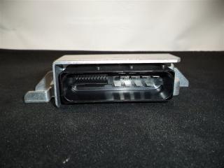 Блок управления парковочным тормозом Volkswagen Passat Variant 2006