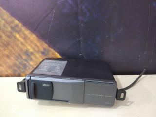 CD-чейнджер Volkswagen Passat 2000