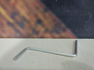 Ключ для люка AUDI Allroad 2004