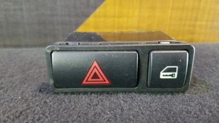 Кнопка аварийной остановки BMW 318i 1999