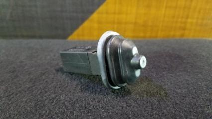 Кнопка лючка бензобака BMW 325i 2000