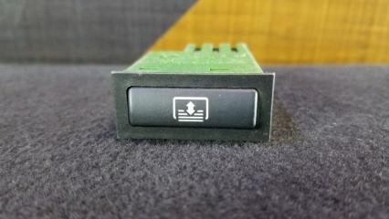 Кнопка шторки BMW