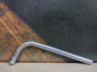 Ключ балонный AUDI Allroad 2002