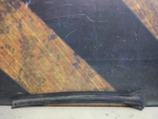 Молдинг лобового стекла правый Cadillac Escalade 2002