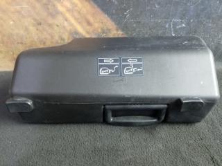 Отсек под инструмент AUDI A6 2001