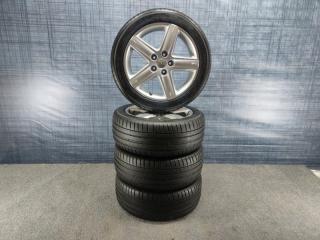 Комплект из 4-х Колесо R17 / 235 / 45 Michelin Pilot Sport 4 5x112 лит. 45ET