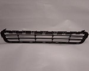 Запчасть решетка радиатора Ford Fusion 2013