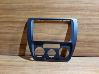 Рамка магнитолы Volkswagen Jetta