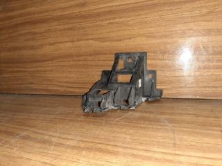 Кронштейн бампера. задний левый Volkswagen Jetta