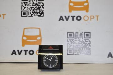Запчасть кнопка аварийной остановки в сборе с часами Volkswagen Passat B7 2011