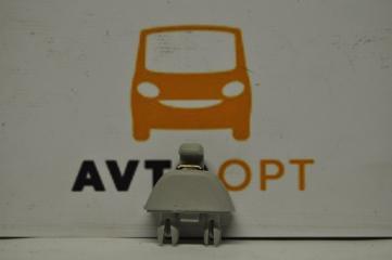 Запчасть крепление козырька Volkswagen Passat B7 2011