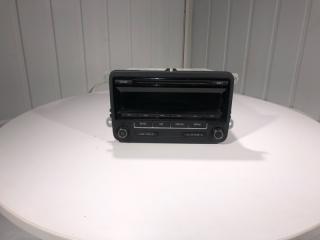 Запчасть магнитофон радио передний Volkswagen