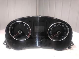 Панель приборов Volkswagen Jetta 2012
