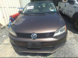 Стекло лобовое переднее Volkswagen Jetta MK6 2011