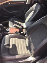 Водительское сидение (кожа) переднее левое Volkswagen Passat B7 2012