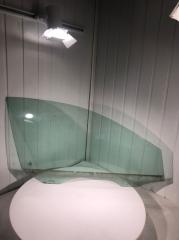 Стекло двери переднее правое Volkswagen Jetta 2013