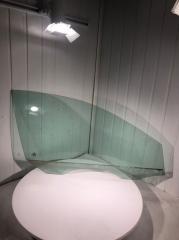 Стекло двери переднее правое Volkswagen Jetta 2012