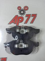 Запчасть тормозные колодки переднее Mazda 3/5/Axela
