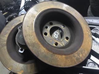 Тормозной диск задний Volvo XC60 2013 года