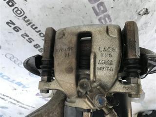 Суппорт тормозной задний правый Volkswagen CC 2013 года