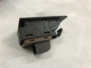 Кнопка открывания крышки багажника передняя левая A7 2012 год 4G 3.0L