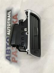 Дефлектор решетка обдува салона передний правый Audi A7 2014 год