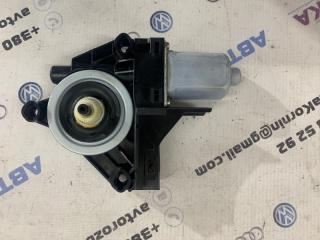 Мотор стеклоподъемника Volvo XC60 2013 года