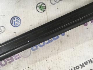 Уплотнитель двери XC60 2013 года T6 3.0L
