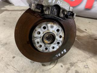 Тормозной диск передний левый Volkswagen Passat 2014 год