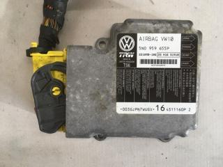 Блок управления подушками безопасности Volkswagen Tiguan 2013 год