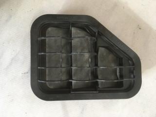 Запчасть решетка вентиляционная Volkswagen Tiguan 2013 год