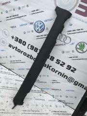 Накладка на порог левая Volvo XC60 2012 год
