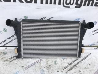Радиатор интеркулера Volkswagen Passat 2014 год
