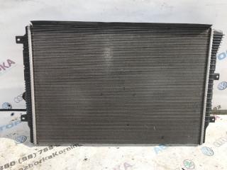Радиатор охлаждения двигателя Volkswagen Passat 2014 год